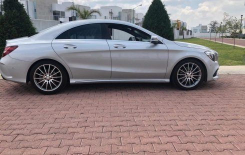 Quiero vender un Mercedes-Benz Clase CLA en buena condicción