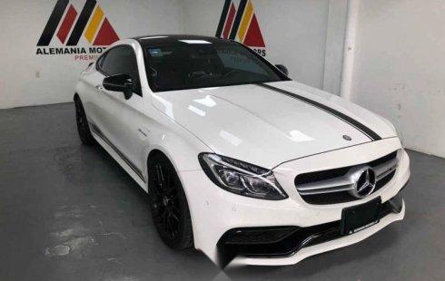 En venta carro Mercedes-Benz Clase C 2017 en excelente estado
