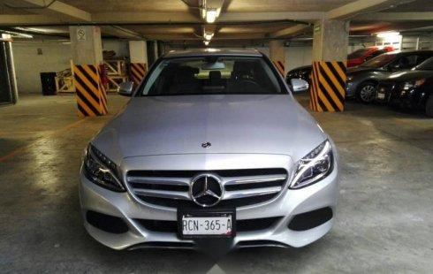 Vendo un carro Mercedes-Benz Clase C 2018 excelente, llámama para verlo