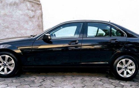 Un excelente Mercedes-Benz Clase C 2013 está en la venta