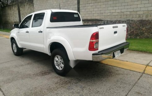 Pongo a la venta cuanto antes posible un Toyota Hilux en excelente condicción a un precio increíblemente barato