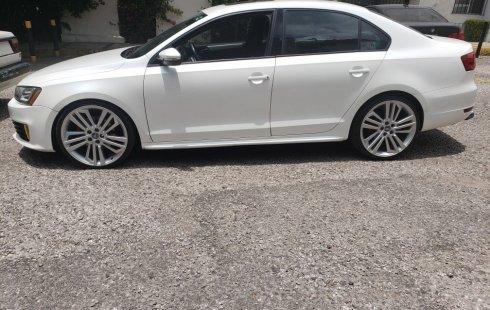 Quiero vender inmediatamente mi auto Volkswagen Jetta 2013