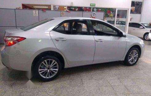 Precio de Toyota Corolla 2015
