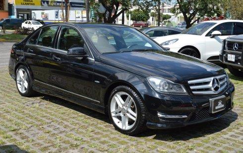 Quiero vender inmediatamente mi auto Mercedes-Benz Clase C 2012 muy bien cuidado