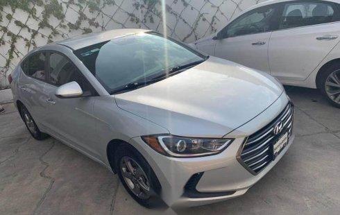 Carro Hyundai Elantra 2017 en buen estadode único propietario en excelente estado