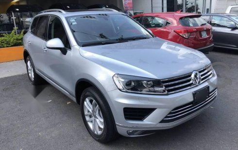 Se vende urgemente Volkswagen Touareg 2017 Automático en Zapopan