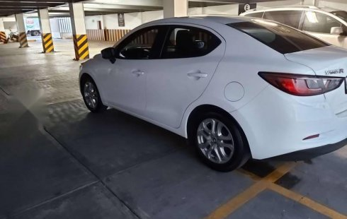 Toyota Yaris 2018 impecable