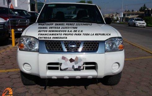 Bonita NP300 Doble Cabina 2014 Puebla