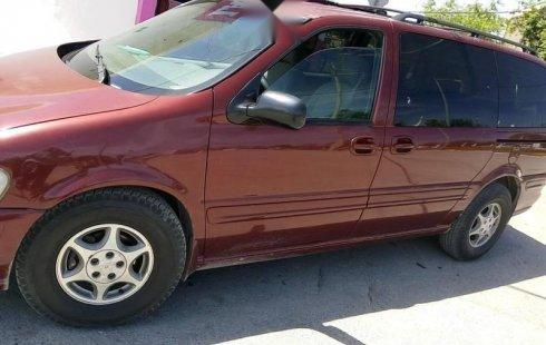 Un carro Chevrolet Silhouette 2000 en Juárez