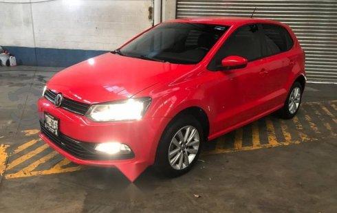 Un carro Volkswagen Polo 2017 en Iztacalco