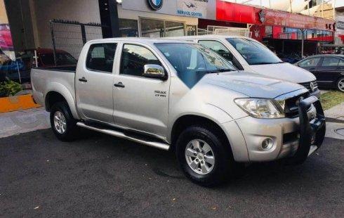 Se vende un Toyota Hilux de segunda mano