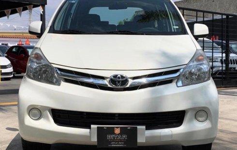 Quiero vender urgentemente mi auto Toyota Avanza 2013 muy bien estado