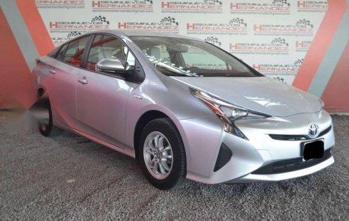 Quiero vender inmediatamente mi auto Toyota Prius 2016 muy bien cuidado