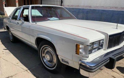 Tengo que vender mi querido Ford Grand Marquis 1982