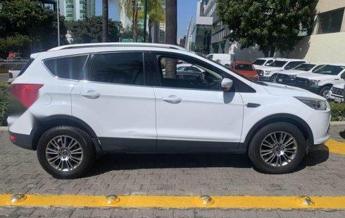 Vendo un carro Ford Escape 2015 excelente, llámama para verlo