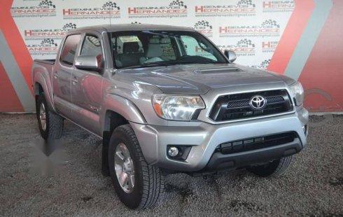 Toyota Tacoma 2014 barato en Atotonilco el Alto