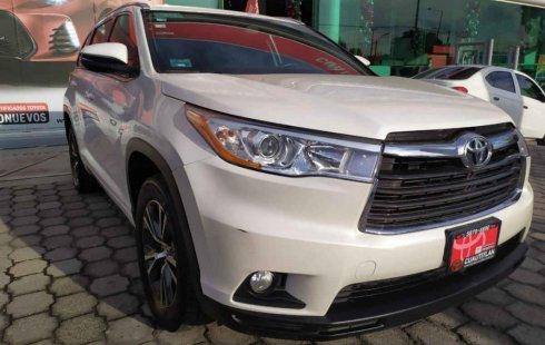 Toyota Highlander impecable en Cuautitlán Izcalli