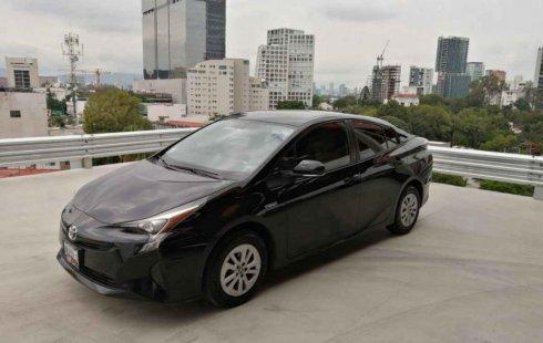 Se vende un Toyota Prius 2017 por cuestiones económicas