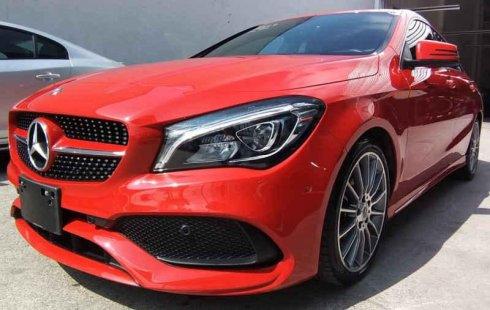 Quiero vender urgentemente mi auto Mercedes-Benz Clase CLA 2018 muy bien estado