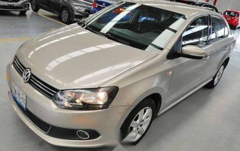 En venta un Volkswagen Vento 2014 Automático en excelente condición