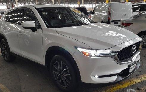 Un carro Mazda CX-5 2018 en México State