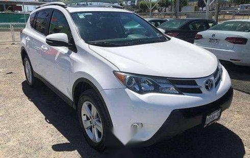 Tengo que vender mi querido Toyota RAV4 2013