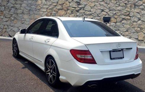 Un excelente Mercedes-Benz Clase C 2014 está en la venta