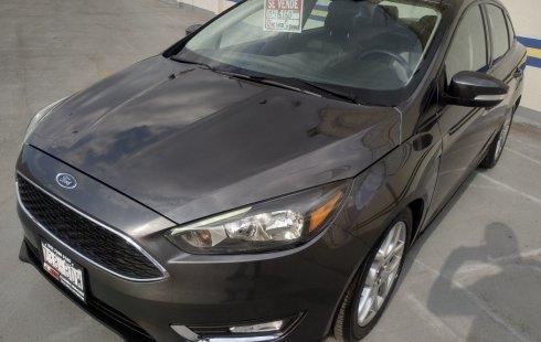 Pongo a la venta un Ford Focus en excelente condicción