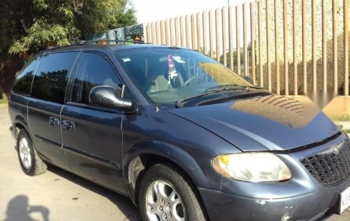 En venta carro Chrysler Grand Voyager 2002 en excelente estado