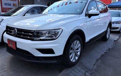 Quiero vender urgentemente mi auto Volkswagen Tiguan 2018 muy bien estado