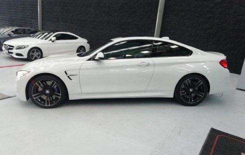 Un carro BMW M4 2015 en Querétaro