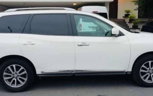 Un Nissan Pathfinder 2013 impecable te está esperando
