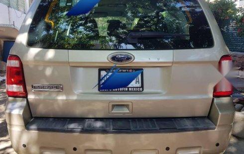Quiero vender un Ford Escape en buena condicción