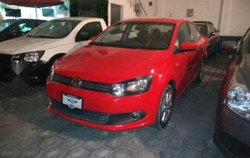 Quiero vender urgentemente mi auto Volkswagen Vento 2014 muy bien estado