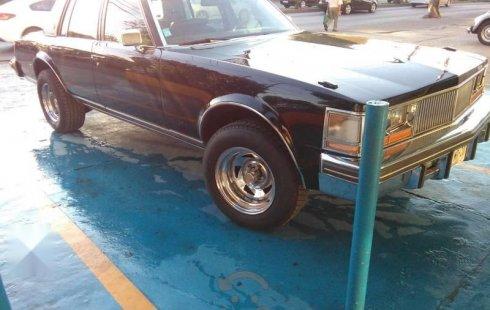 Un Cadillac Seville 1976 impecable te está esperando