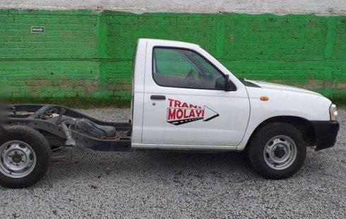 Quiero vender urgentemente mi auto Nissan Chasis 2012 muy bien estado
