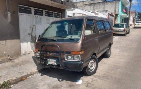 Quiero vender inmediatamente mi auto Nissan Ichi van 1988