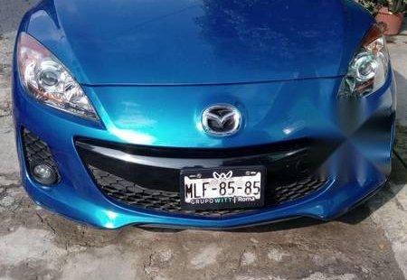 Un carro Mazda Mazda 3 2012 en Ecatepec de Morelos