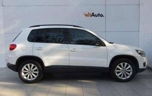 Vendo un carro Volkswagen Tiguan 2016 excelente, llámama para verlo