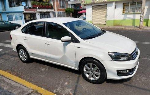 Quiero vender urgentemente mi auto Volkswagen Vento 2015 muy bien estado