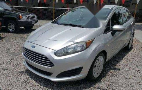 Quiero vender urgentemente mi auto Ford Fiesta 2015 muy bien estado