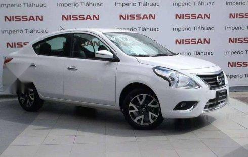 Coche impecable Nissan Versa con precio asequible