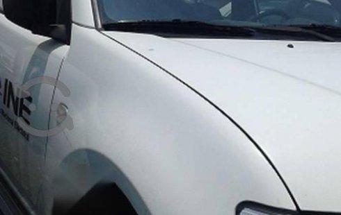 Quiero vender urgentemente mi auto Mitsubishi L200 2015 muy bien estado