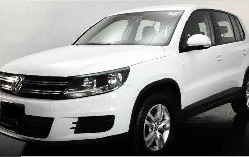 Un Volkswagen Tiguan 2015 impecable te está esperando