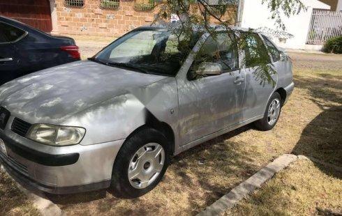 Quiero vender inmediatamente mi auto Seat Cordoba 2002 muy bien cuidado