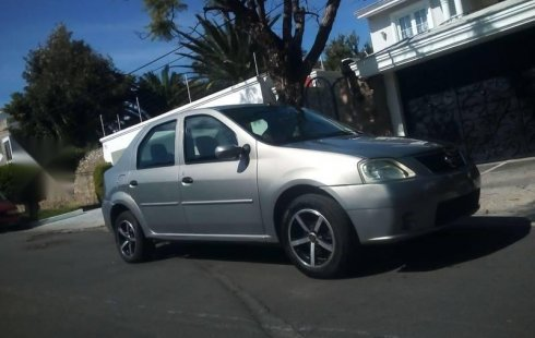 Nissan Aprio 2008 impecable