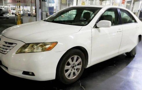 Pongo a la venta cuanto antes posible un Toyota Camry en excelente condicción a un precio increíblemente barato