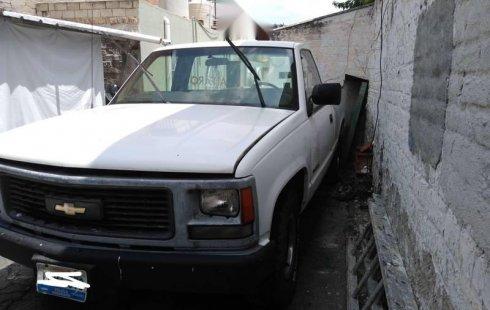 Se vende un Chevrolet 1500 1998 por cuestiones económicas