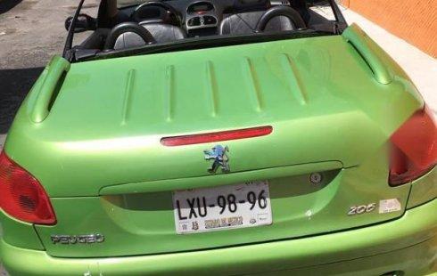 Vendo un carro Peugeot 206 2004 excelente, llámama para verlo