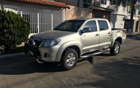 Quiero vender cuanto antes posible un Toyota Hilux 2013